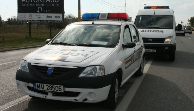 Accidente pe fond de neatenție: mașini răsturnate în câmp și oameni băgați în spital! - accidente12apr-1586698727.jpg