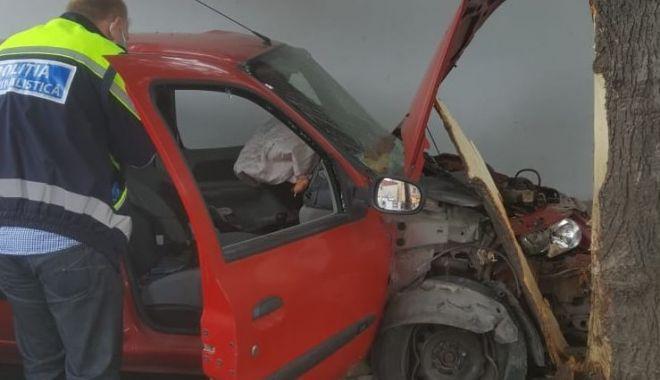 Foto: Impact mortal într-o intersecție din municipiul Constanța