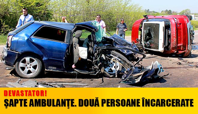 ACCIDENT GRAV CU 12 VICTIME la intrare în Constanța. Printre răniți se află și DOI COPII! - accidentovidiu1-1367410606.jpg
