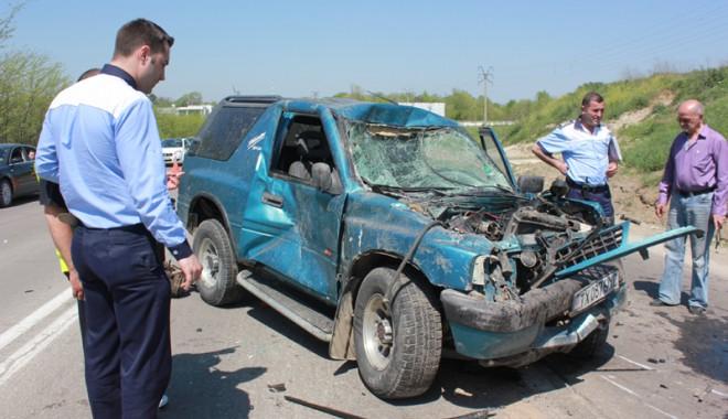 Accident teribil la ieșire din Constanța - accidentovidiu29-1367416934.jpg