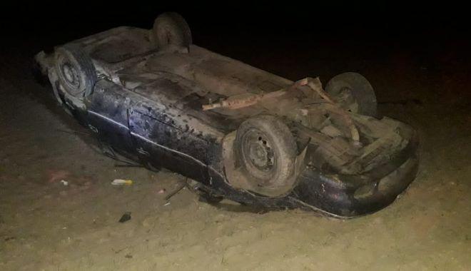 Foto: Trei copii, răniți în accident. Mama a băut înainte să se urce la volan!