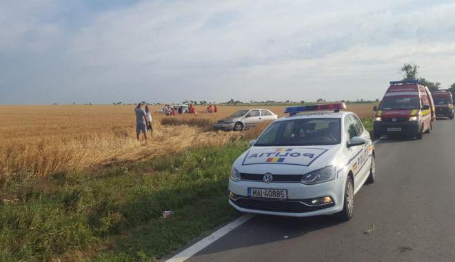 Accident rutier grav, în Constanța. Mașină răsturnată, patru răniți! - accmovilita1-1561011602.jpg