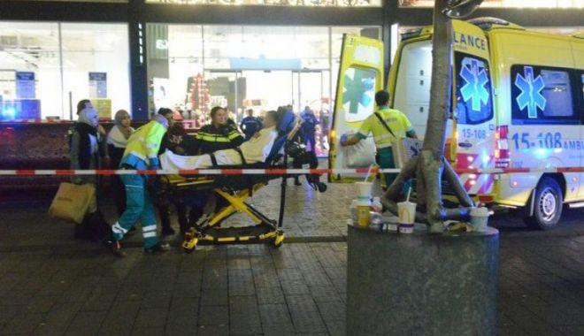 Foto: Trei minori au fost înjunghiați pe o stradă comercială din Haga. Suspectul e în libertate
