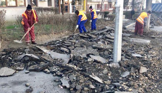 Administrația locală a reluat lucrările la trotuarele de pe Tomis - administratiaareluattrotuare-1552943855.jpg