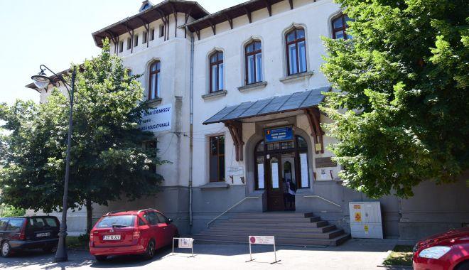"Foto: Admitere la clasa a V-a, la Colegiul Național ""Mihai Eminescu"" din Constanța"