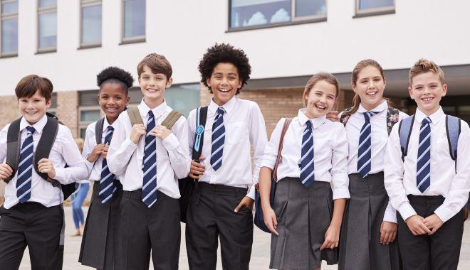 Uniforma, obligatorie în școli. Propunerea legislativă urmează să fie votată de Camera Deputaților - adobestock2344800461-1597166133.jpg