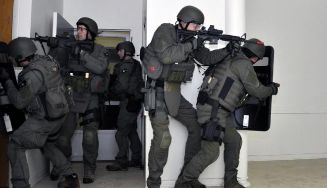 Angajați ai Serviciului Federal de Securitate  din Rusia,  arestați pentru colaborare cu CIA - agenti-1485955157.jpg