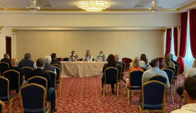 Agenţii economici din Mamaia, la discuţii cu autorităţile locale - agentiieconomici1-1623768337.jpg