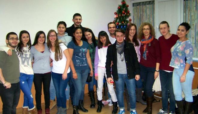 """Foto: AIESEC și Școala """"Gheorghe Țițeica"""" educă pentru viitor"""