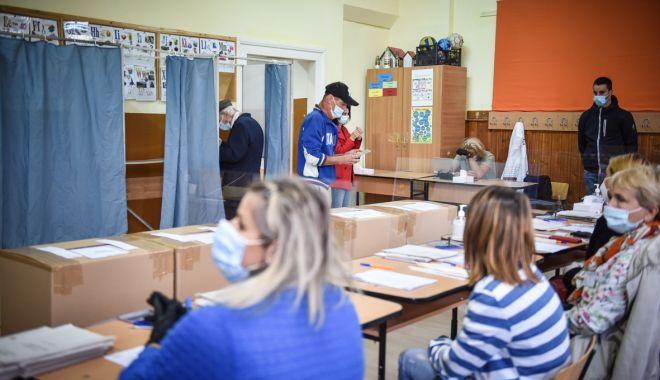 Alegeri parlamentare/ Peste 25.000 de alegatori au votat la Constanţa, la ora 9.00 - alegerilocale2020votsectievotare-1607240381.jpg