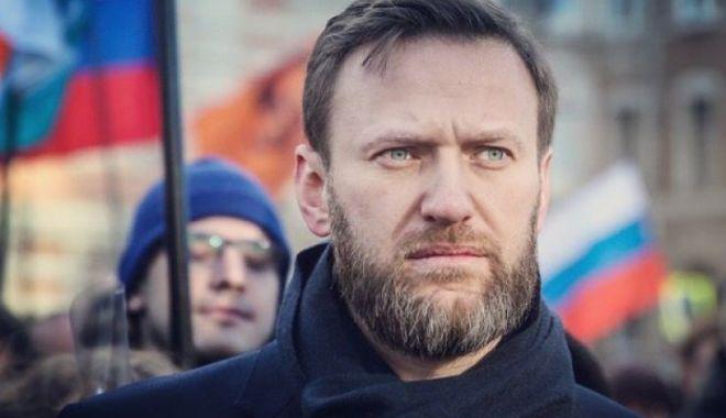 Opozantul rus Aleksei Navalnîi, internat la terapie intensivă, în stare gravă. E suspect de otrăvire - alekseinavalni-1597906045.jpg