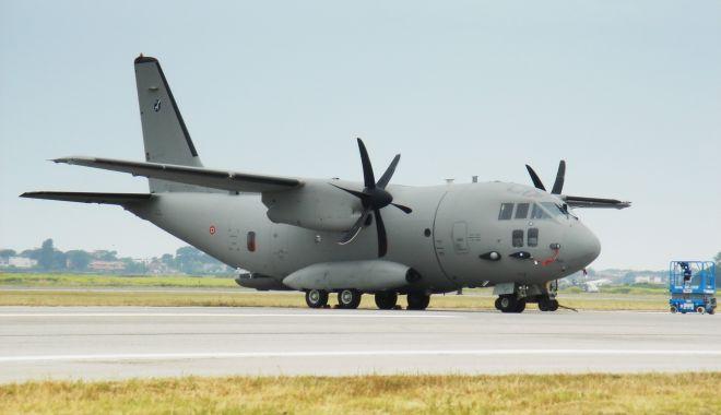 Patru pacienţi cu COVID, transportaţi la Iaşi cu o aeronavă C-27J Spartan a Forţelor Aeriene Române - aleniac27jpraticadimareedit1-1618685004.jpg