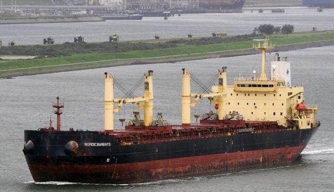 Foto: Anchetă în Portul Constanța. Pasageri clandestini, depistați pe o navă