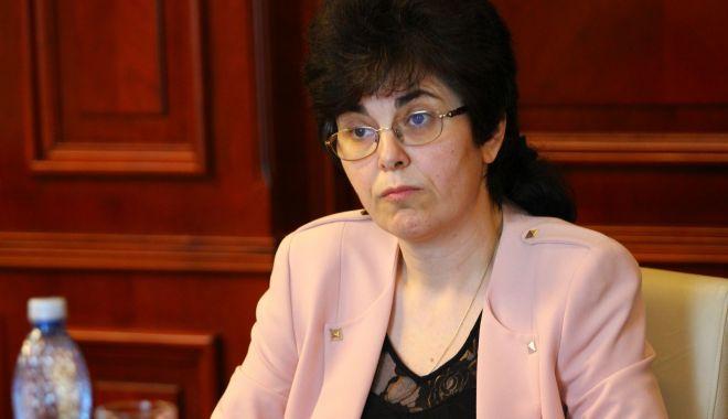 Mandatul inspectorului școlar general adjunct Alina Codreanu, la final - alinacodreanuisj1-1592743751.jpg