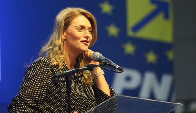 Alina Gorghiu: PSD se va scufunda împreună cu Liviu Dragnea - alinagorghiu-1537713900.jpg