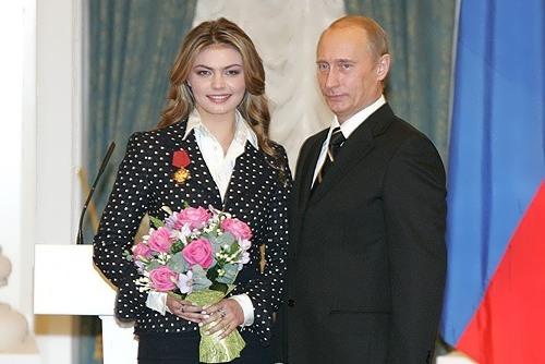 Vladimir Putin a devenit din nou tată. Actuala sa iubită a născut gemeni - alinakabaeva-1557763279.jpg