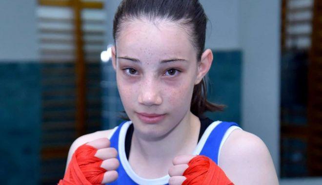 Foto: Amalia Niță se menține în formă antrenându-se acasă