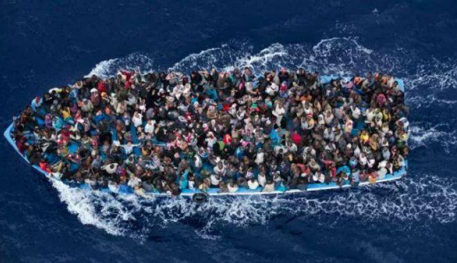 Foto: Tragedie în Mediterana. Peste 100 de oameni au murit după scufundarea unei ambarcațiuni