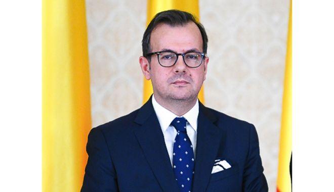 Ambasadorul Republicii Macedonia, în dezbatere cu studenţii ovidieni - ambasadorul2-1620747242.jpg
