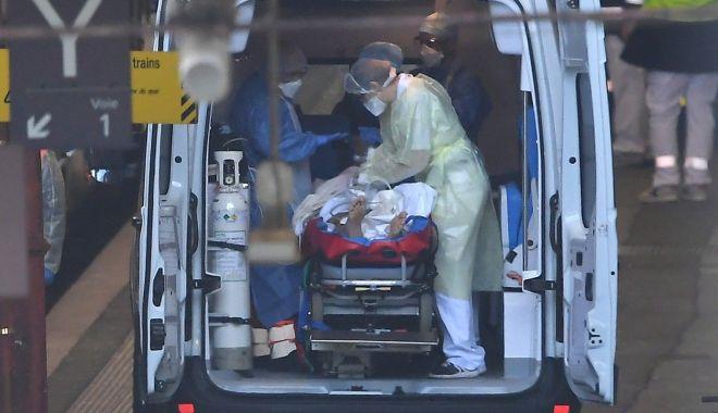 Record sumbru în SUA. Au fost raportate peste 60.000 de cazuri de COVID în doar 24 de ore - ambulanta-1594191635.jpg
