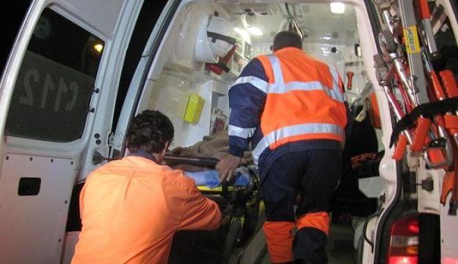 Victimele accidentului mortal de pe Șoseaua Mangaliei au nevoie de sânge! - ambulanta1-1519308725.jpg