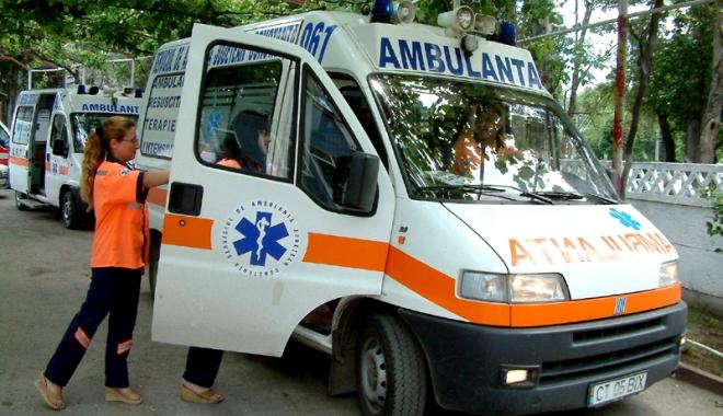 Situație critică la Ambulanța Constanța. Personal puțin, pacienți puși pe așteptare, mașini mai mereu în service - ambulanta2-1501168466.jpg