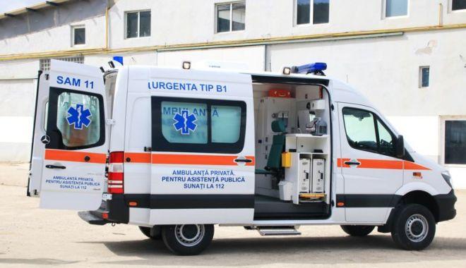 Accident îngrozitor în municipiul Constanţa. Bărbat lovit de TIR chiar pe trecerea de pietoni! - ambulanta2-1606150485.jpg