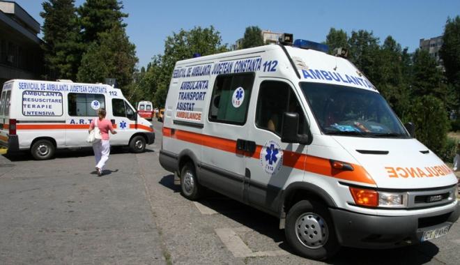 Situație critică la Ambulanța Constanța. Personal puțin, pacienți puși pe așteptare, mașini mai mereu în service - ambulanta3-1501168474.jpg