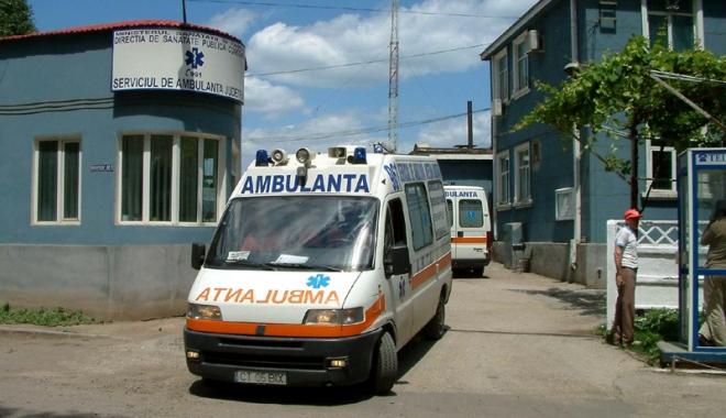 Situație critică la Ambulanța Constanța. Personal puțin, pacienți puși pe așteptare, mașini mai mereu în service - ambulanta5-1501168490.jpg