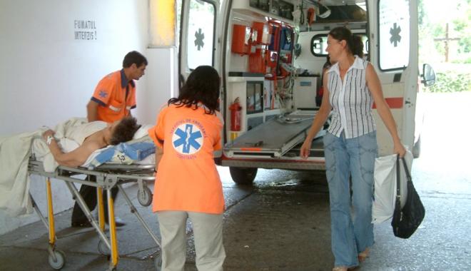 Situație critică la Ambulanța Constanța. Personal puțin, pacienți puși pe așteptare, mașini mai mereu în service - ambulanta6-1501168497.jpg
