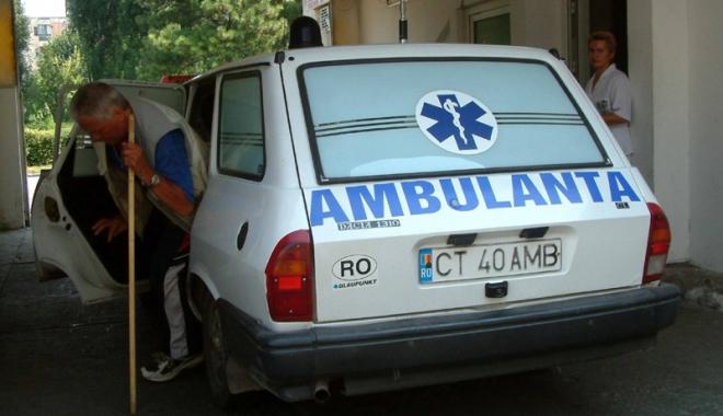 Situație critică la Ambulanța Constanța. Personal puțin, pacienți puși pe așteptare, mașini mai mereu în service - ambulanta7-1501168504.jpg