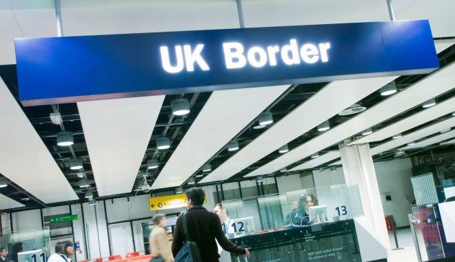 Amenințare pentru români? Boris Johnson promite să reducă nivelul imigrației dacă va câștiga alegerile - amenintarepentruromani-1575832422.jpg
