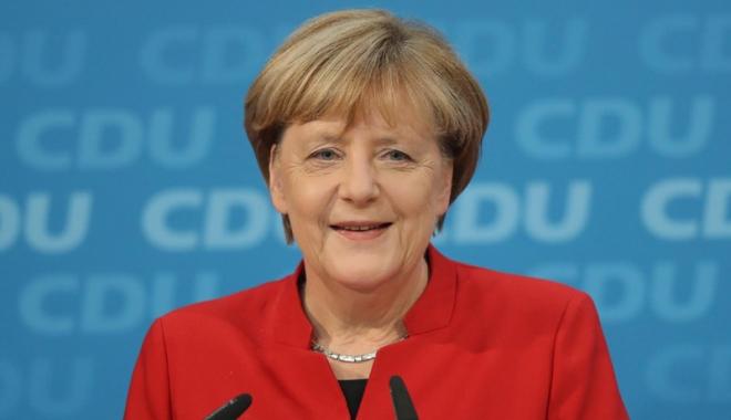 """Foto: Angela Merkel cere """"bunăvoință"""" pentru  a reuși formarea unei coaliții guvernamentale"""