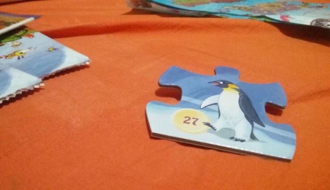 """Foto: Copiii se distrează la cel mai mare schimb de piese de puzzle, """"Animaterra"""""""