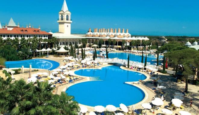 Antalya, o destinație de vacanță a tuturor posibilităților! - antalia-1340379549.jpg