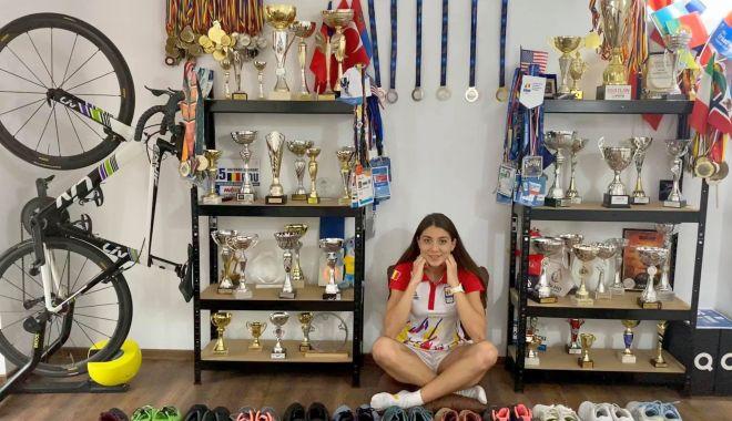 Foto: Antoanela Manac are propria cameră plină cu trofee