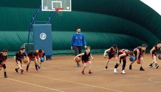 Foto: Antrenorul Predrag Stanojcic, implicat în programele FR de Baschet