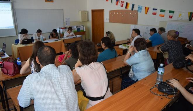 Apel pentru selecția cadrelor didactice evaluatoare de manuale școlare - apelprofesori-1516637824.jpg