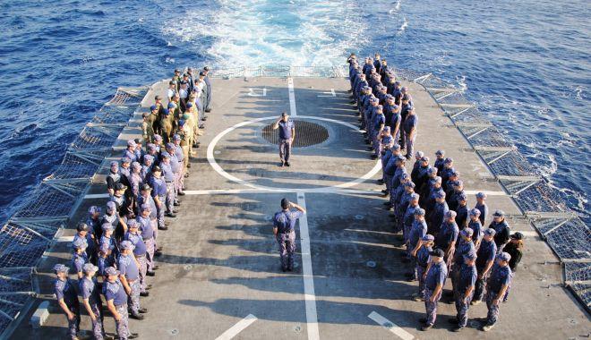 Foto: Arc peste timp. Actele de vitejie ale marinarilor, comemorate de  Forțele Navale Române