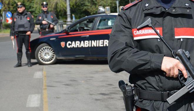 O bandă de români, arestată în Italia. Era specializată în furturi de aspiratoare - arest-1594379395.jpg