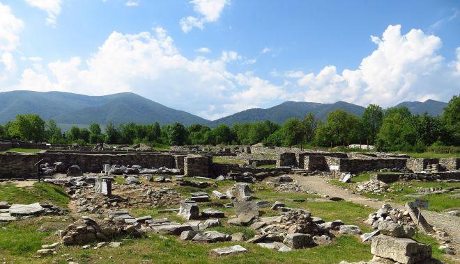 Foto: Două mari obiective arheologice, reabilitate cu fonduri europene
