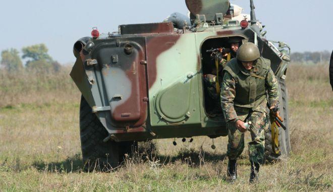 Foto: S-a schimbat legea! Caporalii vor putea deveni maiștri militari