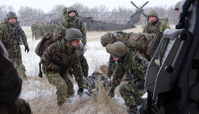 Foto: Infiltrați în dispozitivul inamicului! Debarcați și recuperați de elicoptere Black Hawk