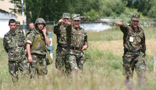Foto: Cât câștigă ofițerii Armatei Române. Trei motive pentru care să alegi cariera militară