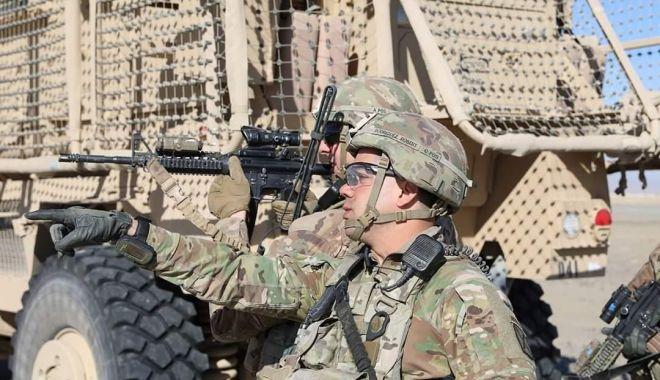"""Foto: Militari români, misiune în Kandahar, alături de """"Dragonii de Aur"""""""