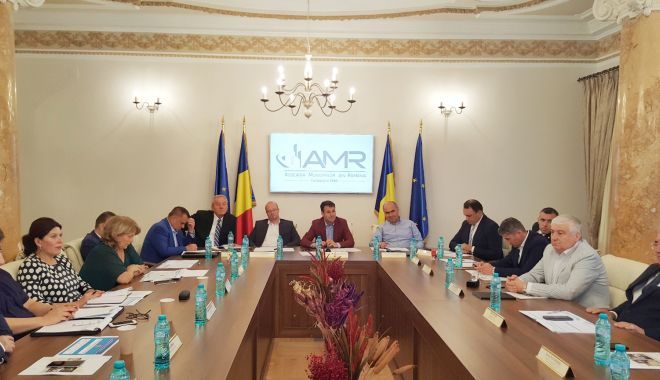 Transportul elevilor, în atenția Asociaţiei Municipiilor din România - asociatiamunicipiilor-1615313880.jpg