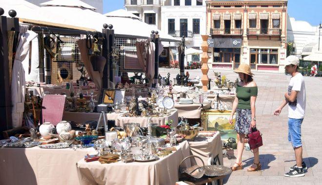 Foto: Astăzi, se redeschide Târgul de Artă și Antichități din Piața Ovidiu