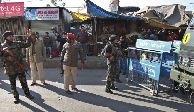 13 oameni AU MURIT, după ce un camion A INTRAT ÎNTR-O MULȚIME DE MANIFESTANȚI - atac-1492789882.jpg