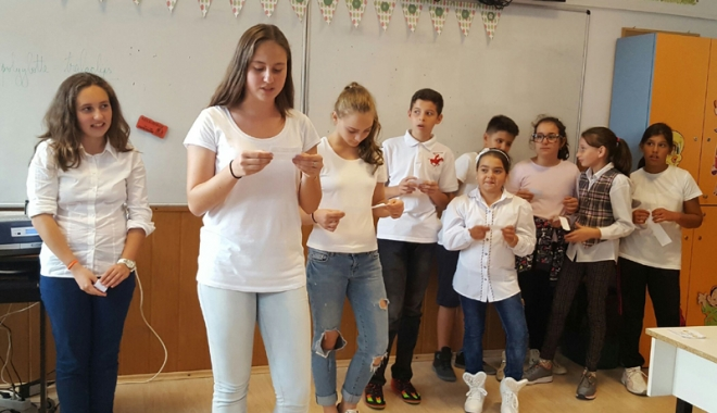 "Foto: Atelier artistic poliglot, la Școala ""Gheorghe Țițeica"""