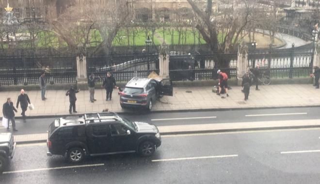 ATENTAT LONDRA / Bilanțul morților a ajuns la cinci - atentat-1490336316.jpg